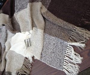 Linen-Boucle Shawls